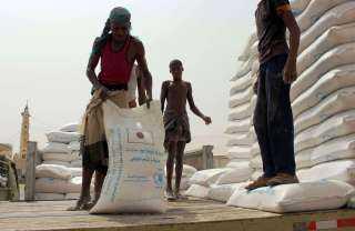 برنامج الغذاء بالامم المتحدة يهدد بوقف المساعدات بسبب اختلاسات الحوثيين