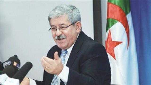 رسميا.. مثول رئيس وزراء الجزائر السابق أمام القضاء كمتهم في قضايا فساد