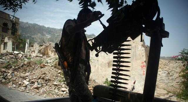 بالفيديو... الجيش اليمني يدمر غرف اتصالات متطورة لملشيات الحوثى