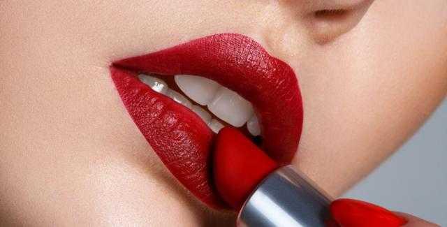 5 استخدامات لأحمر الشفاه