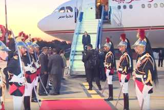 بالفيديو.. وصول الرئيس السيسي للمشاركة في قمة السبع الكبرى