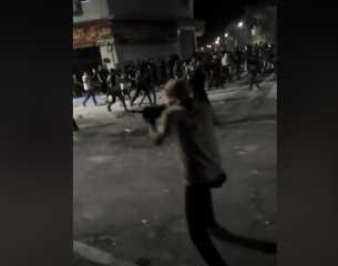 بالفيديو.. إطلاق نار بالرشاشات ضد الدرك الأردني في مدينة الرمثا