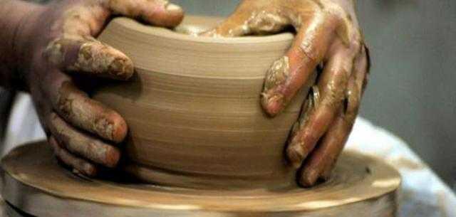 صناعة الحرف اليدوية تشارك في ندوة الصناعات في مصر