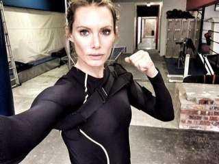 ممثلة مشاهد خطيرة تقاضي منتجي فيلم Resident Evil