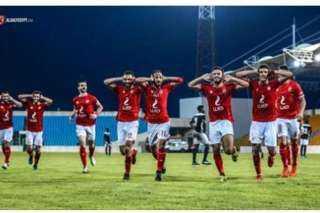 """الاتحاد الافريقي لكرة القدم """"الكاف"""" يسلط الضوء على فوز النادي الاهلي أمس"""