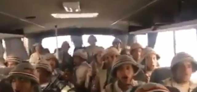 بالفيديو .. اصحى يا مصري وقوم من النوم جيش عمره ما باعك يوم.. جنود يهتفون لمصر