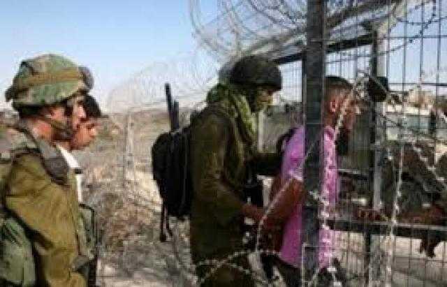 اعتقال 3 شبان فلسطينيين منقبل قوات الاحتلال اجتازوا الحدود الجنوبية لقطاع غزة