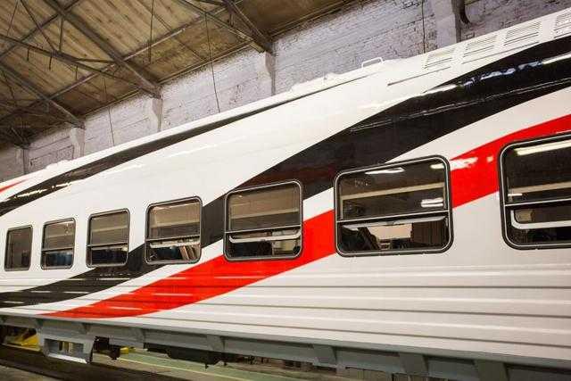 وزارة النقل تتابع الانتهاء من صفقة توريد وتصنيع 1300 عربة سكة حديد جديدة