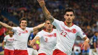 بالفيديو.. لاعبو تركيا يتحدون العقوبات المحتملة ويدعمون جيشهم على طريقتهم في مباراة فرنسا