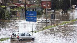 بيروت تغرق بمياه الأمطار(فيديو)