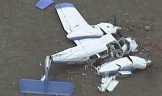 بالفيديو.. مصرع 4 أشخاص بتصادم طائرتين في أستراليا
