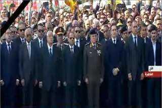 بث مباشر.. بدء مراسم تشييع الرئيس الراحل مبارك