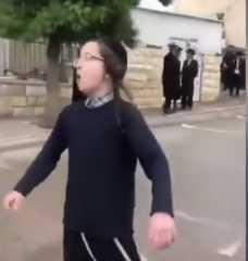 بالفيديو.. إصابة 900 متشدد يهودي في إسرائيل بكورونا