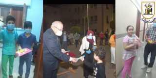 رئيس جامعة القاهرة ينشر فيديو استقبال 2800 عائد من الخارج