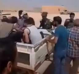 بالفيديو.. العثور على 6 مهاجرين مصريين غير شرعيين مكبلين بالسلاسل في طبرق