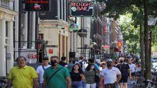 هولندا تسجل أعلى معدل يومي في إصابات كورونا