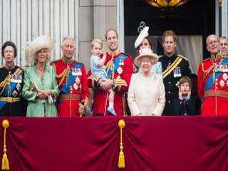 """""""فوربس"""" الأمريكية: العائلة البريطانية المالكة تستعد لـ""""شد الأحزمة"""""""