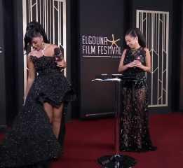 """شاهد.. فستان رانيا يوسف المثير للجدل مجددا إلى الواجهة: """"عيالي بيشجعوني على الشقاوة"""""""