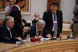 إعفاء نصف أعضاء حكومة أرمينيا من مناصبهم