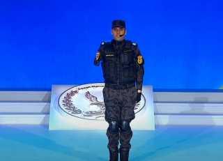 بالفيديو.. كلمة الرائد صلاح الحسيني الذي فقد ذراعه لانقاذ طفلة خلال احتفال عيد الشرطة أمام الرئيس السيسي