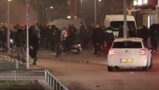بالفيديو.. تجدد الاشتباكات في هولندا بسبب قيود كورونا والشرطة تعتقل أكثر من 150 شخصا