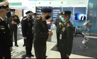 وزير الدفاع يعود الى ارض الوطن بعد مشاركته بمعرض إيديكس 2021