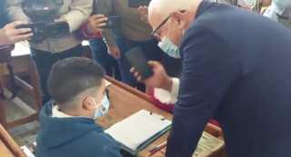 بالفيديو.. وزير التربية والتعليم يجري إتصال مع الطلاب عبر هاتف محافظ بورسعيد