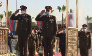 الرئيس السيسى ينيب وزير الدفاع لوضع إكليل الزهور على النصب التذكارى للشهداء