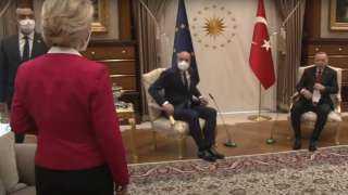 """رئيس المجلس الأوروبي يقول إن واقعة """"المقاعد المحرجة"""" بتركيا تقض مضجعه"""
