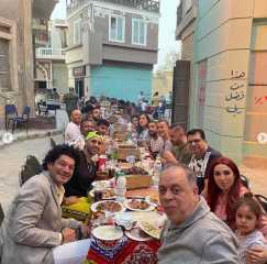 بالفيديو..  روجينا تنظم إفطاراً جماعياً دون أي مراعاة للإجراءات الاحترازية