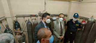 محافظ المنيا يوجه نائبه بمتابعة سير العمل بمنظومة شبكات الأكسجين بعدد من المستشفيات