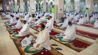 بث مباشر.. حجاج بيت الله الحرام يؤدون ركن الحج الأعظم بالوقوف على صعيد عرفات