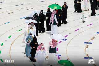 بالفيديو.. الحجاج يتوافدون إلى المسجد الحرام لأداء طواف الوداع